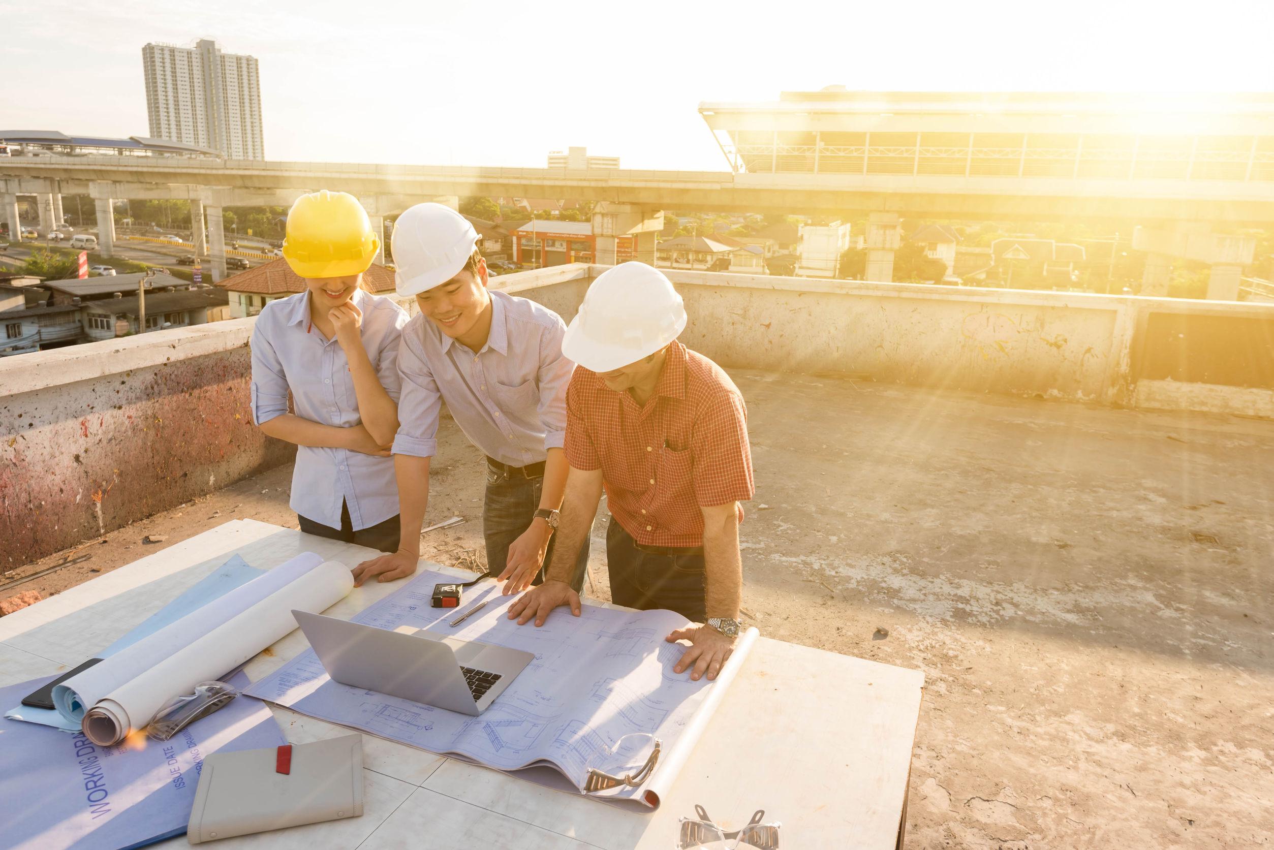 sunny-rooftop-construction.jpg#asset:14038