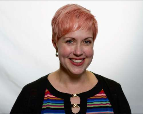 Headshot of Viewpoint's senior project manager, Betsie Hoyt